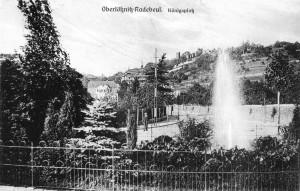 Ansicht des Platzes mit Springbrunnen ab 1908